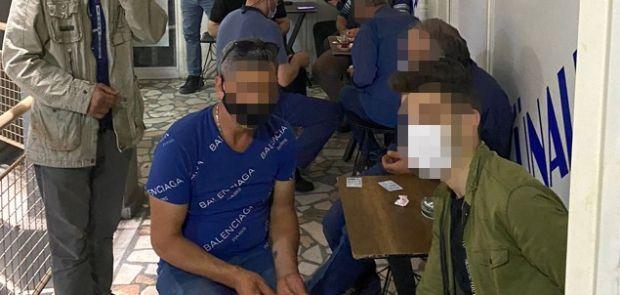 AÇIK KIRAATHANEYE POLİS BASKINI