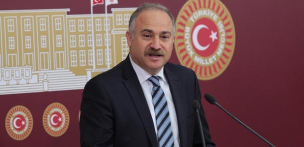 Davutoğlu topu çeviriyor